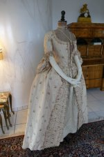 19 antique robe a la Francaise 1770