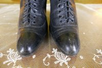 4 antique boots 1899