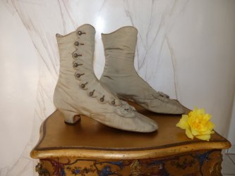 antique shoes, victorian shoes, shoes 1870, antique boots, antique evening boots, antique evening shoes, antique dress