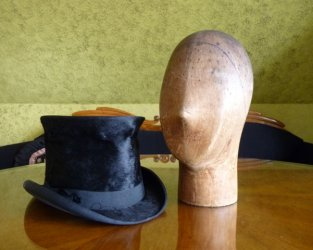 antique milliner wooden head