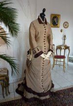 16 antikes Reisekleid 1879