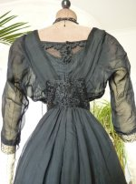 27 antikes Abendkleid 1909