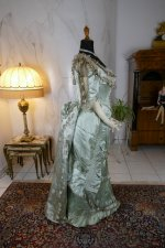 31 antique evening gown 1889
