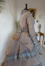 18 antique dress 1877
