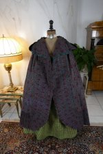 28 antique hooded cape 1790