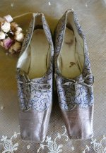 19 antique shoes 1823