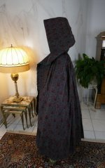 26 antique hooded cape 1790