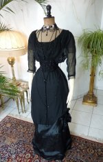11 antique evening gown 1909