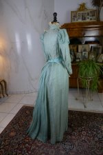 19 antique day dress 1898