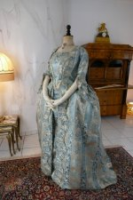 15 antique robe a la francaise 1770