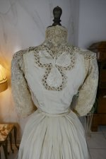 24 antique gown 1904