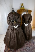 4 antique afternoon dress 1840