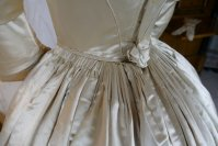 21 antique wedding dress 1845