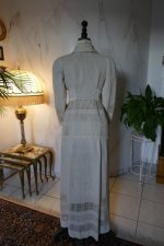 24 antique walking dress 1912