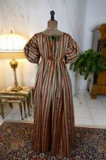 15 antique romantic Period dress 1825