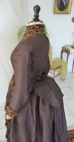 30 antique gown 1880