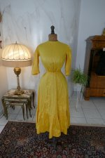97 antique tea gown 1903