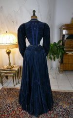 23 antique walking dress 1899