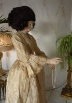 56 romantic period mannequin
