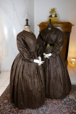 6b antique afternoon dress 1840