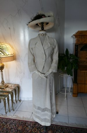 antique walking dress 1912