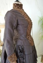 39 antique gown 1880