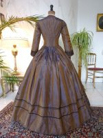 23 antique Gown 1840