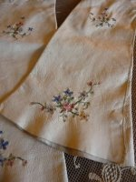 3a antique-embroidered-gloves