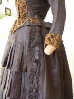 7b antique gown 1880