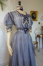 17 antique dress 1901