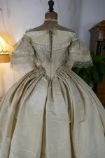 24 antique ball gown 1859