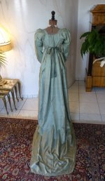 25 antique silk dress 1800