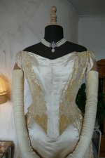 44 antique court dress 188