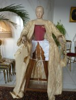 67 romantic period mannequin
