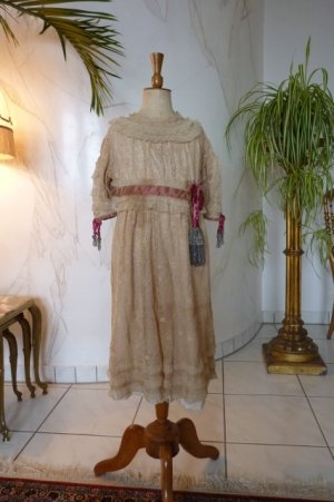antique girls dress 1905
