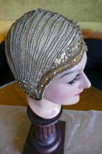 17 antique cloche 1924