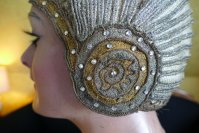 1 antique cloche 1924