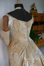 55 antique court dress 188