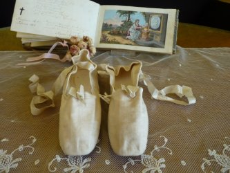 antique ball slippers 1810