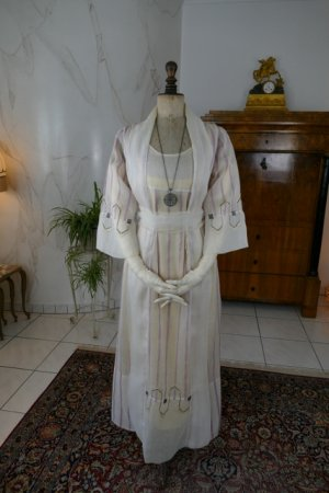 antique Mary Cummings dress 1908