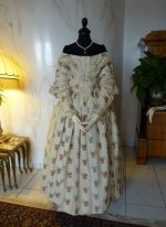 23 antique romantic period dress 1839