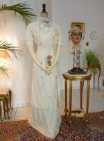 8a antique wedding dress