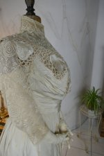 32 antique gown 1904