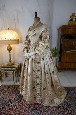 25 antique court dress 1838
