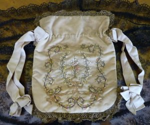 antique reticule