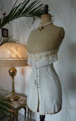 6 antique au royal corset 1910