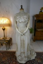 22 antique gown 1904
