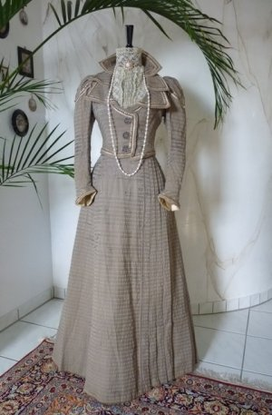 antique dress, antique gown, gown 1899, gown 1899, antique walking suit, antique walking dress, robe ancien, antieke jurk, antique dress for sale