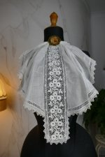 2 antique jabot 1910
