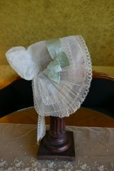 antique bonnet 1900